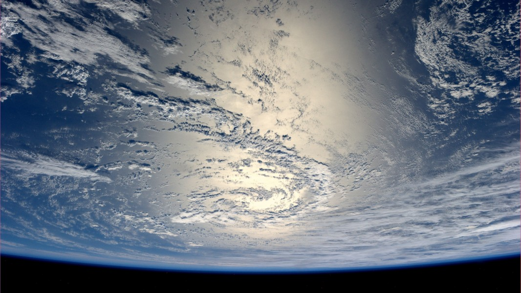 stunning-images-of-earth-from-the-iss_1432979917